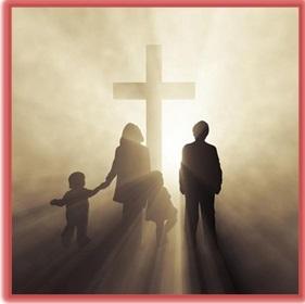 família cristã voltados à cruz